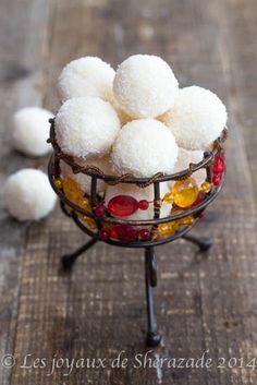 Raffaello façon maison - Les joyaux de Sherazade http://www.750g.com/recettes_fait_maison.htm #750g #750grammes #faitmaison