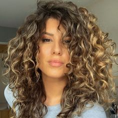 Texture Tales: Claire on How She Bounced Back From Years of Heat Damage Medium Curls, Medium Hair Cuts, Medium Hair Styles, Natural Hair Styles, Curly Balayage Hair, Curly Hair Tips, Layered Curly Hair, Colored Curly Hair, Big Wavy Hair