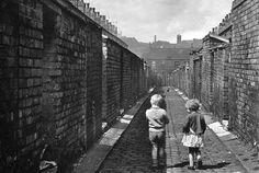Children in Manchester, John Loengard, 1968