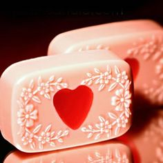 Bath and Body Tutorials: Learn to make soap and other skin products here. Soap Making Basics: An introduction to the various kinds of hand crafted soaps. My Funny Valentine, Valentine Day Crafts, Valentine Heart, Valentines, Soap Tutorial, Aroma Beads, Soap Recipes, Soap Molds, Home Made Soap