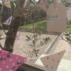 DIY vlagjes :) Wil je weten hoe je dit maakt? Check mijn site: www.madebymoiselle.weebly.com