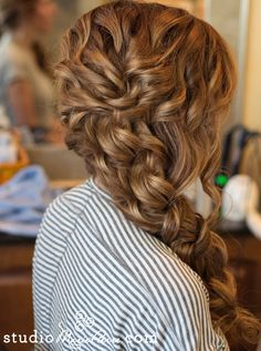 Side swept and wavy braid