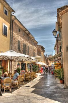 Alcudia Old Town - a lovely spot for exploring and people watching Wonderful Places, Great Places, Places To See, Beautiful Places, Menorca, Travel Around The World, Around The Worlds, Puerto Pollensa, Spain