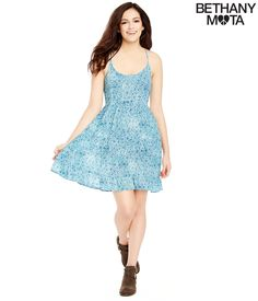 I love how happy she looks.Can I have it?I would wear this for Spring With some wedges or combat boots.