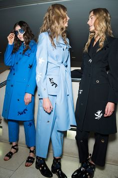Jonathan Saunders spring 2015 rtw - behind the scenes Teal Suit, High Fashion, Womens Fashion, London Fashion, Jonathan Saunders, Spring Summer 2015, Lovely Dresses, Black Leather Boots, Backstage