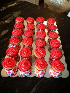 Summer Pool Party Cupcakes (Strawberry/Vanilla)