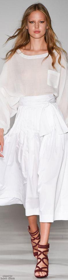 Jill Stuart Spring 2015 Ready-to-Wear Fashion Show - Elisabeth Erm Runway Fashion, Fashion Show, Womens Fashion, Fashion Design, Fashion Trends, London Fashion, Spring 2015 Fashion, Fashion Fall, 365days