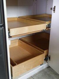 Kitchen Cabinet Organization, Cupboard Storage, Kitchen Cupboards, Storage Cabinets, Corner Cabinet Solutions, Blind Corner Cabinet, Corner Cabinet Kitchen, Diy Placards, Home Kitchens