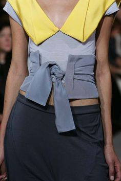 This fabric belt by Portuguese designer Fatima Lopes reminds me of a Japanese obi belt – I'd wear it!