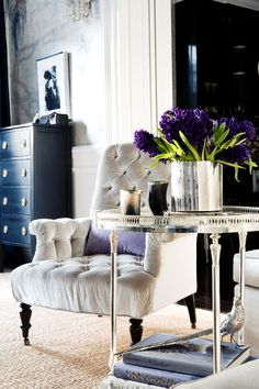 In terms of interior design, purple is actually quite lovely. However, purple is rarely considered as a truly viable option, since it is commonly believed that it does not combine well with other colors. In reality, purple actually marries well with a variety of other lively and neutral colors!