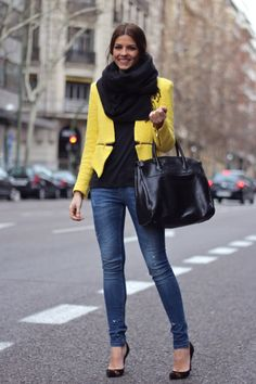 Chaqueta y vaqueros/Jacket and jeans: Zara (Old) Camiseta/Tshirt: Celop Punto-Buylevard (FW 12) Bolso/Bag: Aïta (FW 12) Zapatos/Shoes: Pilar Burgos (FW 12) Guantes/Globes: Scotch Collar/Necklace: Lovelix
