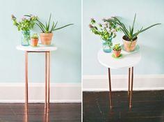 table basse DIY avec des pieds cuivrés