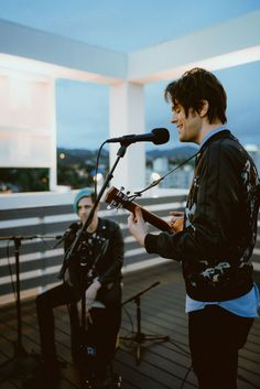 My boys 💙 Emo Bands, Music Bands, Fearless Records, The Brobecks, Music Pics, Music Stuff, Dallon Weekes, Falling In Reverse, Music Memes