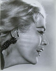Melina Mercouri - The latest Greek Diva Best Actress Oscar, Greek Culture, Celebrity Faces, Old Hollywood Glamour, Famous Women, Famous Faces, Photo Art, Beautiful People, Greece
