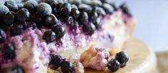 Bosbessen Cheesecake recept | Smulweb.nl Kinds Of Desserts, Cookie Pie, Breakfast Dessert, High Tea, Delicious Desserts, Oatmeal, Cheesecake, Ice Cream, Cupcakes