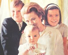 Princess Grace of Monaco and her three children, Princess Caroline, Prince Albert and Princess Stephanie in 1966 Moda Grace Kelly, Grace Kelly Style, Princess Caroline Of Monaco, Princess Stephanie, Prince And Princess, Princess Mary, Princesa Grace Kelly, Camille Gottlieb, Prince Of Monaco