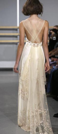 The back and train make this so beautiful. CLOISONNE wedding gown by Claire Pettibone Bridal Claire Pettibone, Beautiful Gowns, Beautiful Outfits, Gorgeous Dress, Glamour, Bridal Gowns, Wedding Gowns, Lace Wedding, Mermaid Wedding