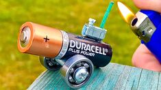 Hello guys in today tutorial of DIY, you will see how to make this 5 simple inventions or amazing life hacks. Woodworking Furniture Plans, Woodworking Toys, Amazing Life Hacks, Simple Life Hacks, Survival Life Hacks, Unique House Design, Cool Gadgets To Buy, Robot Design, Cool Inventions