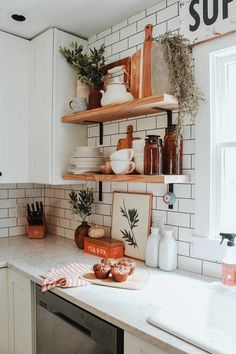 White Home Decor, Diy Home Decor, Home Interior, Interior Styling, Kitchen Interior, Classic Kitchen, Kitchen Modern, Rustic Kitchen, Diy Rustic Decor