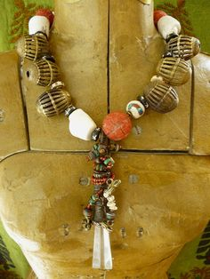 Necklace | Helena Nelson-Reed.