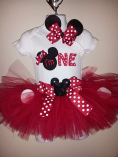 Kennann Kennann rice Can be made in Pink or Red Birthday Minnie Mouse Inspired Tutu Set/outfit With Matching bow on crochet band via Etsy Mickey Minnie Mouse, Minnie Mouse Birthday Theme, Theme Mickey, Birthday Tutu, 1st Birthday Parties, Girl Birthday, Birthday Ideas, Birthday Shirts, Twin First Birthday
