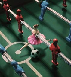 Gracious ballet dancer playing soccer #funny #wtf - Carefully selected by GORGONIA www.gorgonia.it