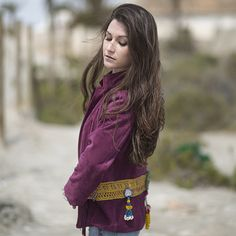 chaquetas al más puro estilo Lilith and the rose, con el toque étnico y chic que nos caracteriza. Pieles, flecos, detalles étnicos... ¡Disfruta la moda!
