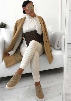 lounge wear look at home Winter Fashion Outfits, Fall Winter Outfits, Autumn Fashion, Fur Fashion, Classy Fashion, Fasion, Loungewear Outfits, Loungewear Set, Cute Casual Outfits
