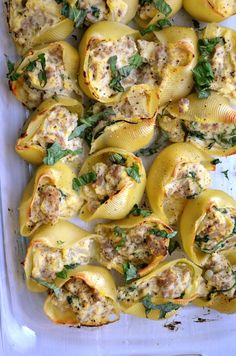 Butternut Squash Ricotta Stuffed Shells from Rachel Schultz(includes: 1 butternut squash, peeled and cubed 1 pound sausage 1 cup spinach 1 onion, diced 1 box jumbo shells, cooked al dente 1 cup ricotta Basil, sliced in ribbons Salt & pepper) Pasta Recipes, Dinner Recipes, Cooking Recipes, Healthy Recipes, Budget Cooking, Oven Recipes, Vegetarian Cooking, Easy Cooking, Healthy Corn