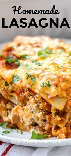 This easy homemade lasagna recipe is a classic, and one of our family favorites. All you need is a side salad and garlic bread for the perfect meal! #spendwithpennies #lasagna #homemadelasagna #italianlasagna #easylasagna #classiclasagna