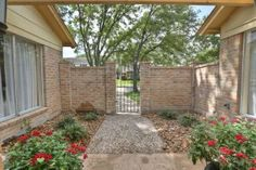 11402 Olympia Dr, Houston, TX