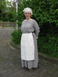 Magd mit Wollkittel, Kopftuch und Schürze Medieval, 14th Century, Lace Skirt, 21st, Play, Female, Halloween, Skirts, Dresses