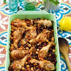 Kycklingklubbor med kryddiga bönor