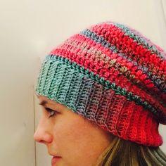 http://crochetincolor.blogspot.com/2013/12/unforgettable-hat.html