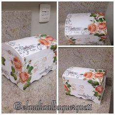 #aulasdeartesamatobelém #aulascomclaudiaalbuquerque11 #decoupage #decoração #bau #artesã #artes #artesanato #Belém #belémdopará Painted Boxes, Wooden Boxes, Altered Boxes, Altered Art, Recycled Crafts, Diy And Crafts, Decoupage Box, Jewellery Boxes, Trinket Boxes