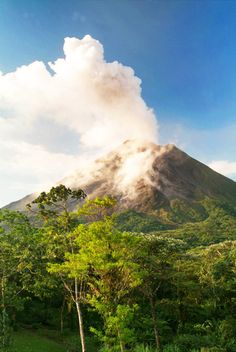 CAPTIVATING COSTA RICA: The capital San José, spectacular Arenal and its volcano, plus Monteverde; travel on your own with flights, hotel, coffee & chocolate tour included