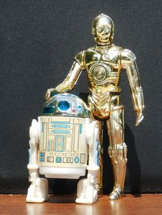 Original Kenner Star Wars Action Figures : C3-PO & R2-D2. There was nothing cooler than owning these 2.