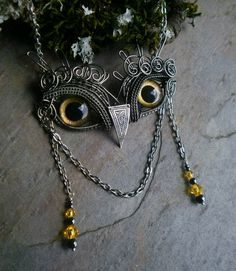Gothic Steampunk Baby Owl with Golden Eyes by twistedsisterarts Steampunk Witch, Steampunk Halloween, Steampunk Gears, Steampunk Clothing, Steampunk Fashion, Dog Jewelry, Wire Jewelry, Owl Mask, Handmade Silver Jewellery