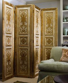 Folding screens and collection of decorative folding screens. Folding screens with nature scenes and decorative screens with floral design. Selection of unique folding screens Folding Screen Room Divider, Room Screen, Folding Screens, Room Deviders, Dressing Screen, Wooden Screen Door, Interior Decorating Tips, Decorating Ideas, Decorative Screens