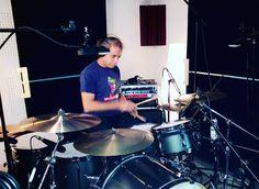 Pirulo en #grabación del #proyecto #Pucela #Play #Music #Corte 3 #estudio #bateria 27 #bateristas #Valladolid #radio 470 #drum #drums #drummer #drummers #drummerboy #drummerlife #love #instadrum #art #colaboracios #love #autumn #instamusic #instagood #photooftheday