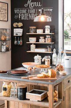 Tips For Implementing New Kitchen Decor Ideas. Do you want to renew your kitchen, however without changing everything in it? By merely redecorating the kitchen, it is possible to give that whole room a New Kitchen, Kitchen Dining, Kitchen Decor, Kitchen Black, Rustic Kitchen, Vintage Kitchen, Kitchen Ideas, Sweet Home, Home Kitchens