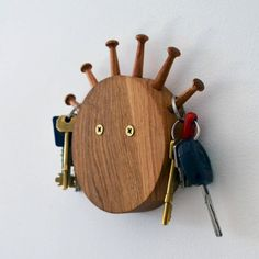 Adorable 39 DIY Key Holders & Racks for Your Home https://besideroom.co/39-diy-key-holders-racks-home/