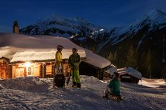 Nachtrodeln - ein Rodelvergnügen der besonderen Art kannst du auf Garfrescha erleben. Dort gibt es mit 5,5 km die längste beleuchtete Nachtrodelbahn Vorarlbergs. Gönn dir diesen lustigen Natur- und Wintergenuss auf zwei Kufen. Verbunden mit einer zünftigen Hütteneinkehr erwartet dich ein stimmungsvolles und abenteuerliches Erlebnis, ideal für Bauch- und Lachmuskeln. #silvrettamontafon #luge #snow Snowboard, Luge, Central Europe, The Republic, Capital City, Alps, Austria, Winter, Mount Everest