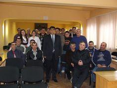 Poza de grup cu cadre de la  ISU, col. Ciontos Ioan -  adjunct al inspectorului șef si personalul voluntar participant la curs.