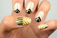 Hope you girls have a lovely weekend! #essence #nagellack #nailpolish #naildesign #nail #geometric #longlastinglove #blackandwhite #instanails #instagood #photooftheday #beauty #manicure #nailsoftheday #notd #thegelnailpolish #summernails