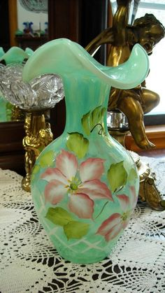 Just Fenton Qvc Fern Green Opalescent Tulip Vase Beautiful Fenton