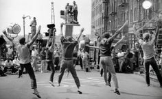 Filming of a street dance scene in NYC from West Side Story, directed by Robert Wise and Jerome Robbins. West Side Story Movie, West Side Story 1961, Jerome Robbins, Robert Wise, Movie Club, Street Dance, Filming Locations, Vintage Movies, Classic Hollywood
