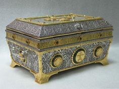 Ковчег для святых мощей Преподобных старцев Оптинских