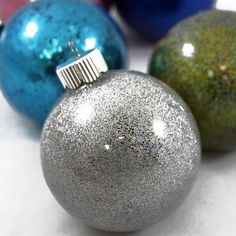 So-Easy 6 Step Pledge Glitter Ornaments — Craft-e-Corner Clear Ornaments, Beaded Christmas Ornaments, Glitter Ornaments, Christmas Balls, Christmas Tree Decorations, Christmas Fun, Homemade Christmas, Decorating Ornaments, Whoville Christmas