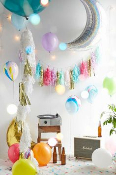 Marble Light-Up LED Balloons 5-Pack Set - Urban Outfitters